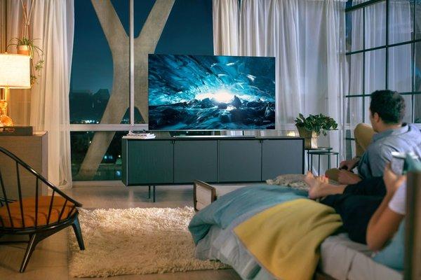 Telewizor i soundbar